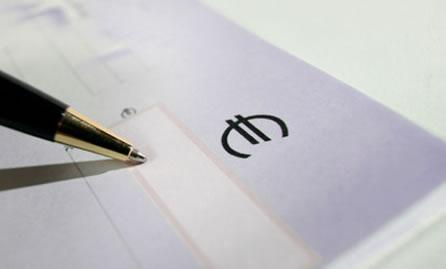 Storica sentenza della Corte di Cassazione che  cancella(quasi) l'assegno divorzile